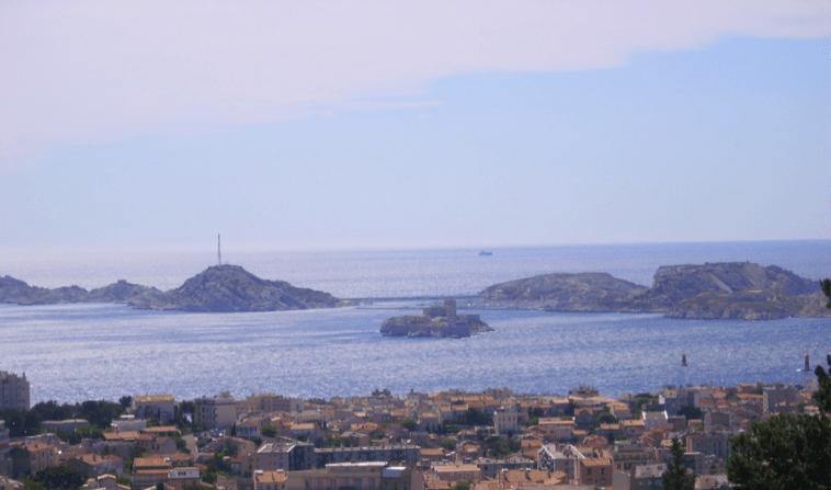 Ville de Marseille et ses petites îles alentours