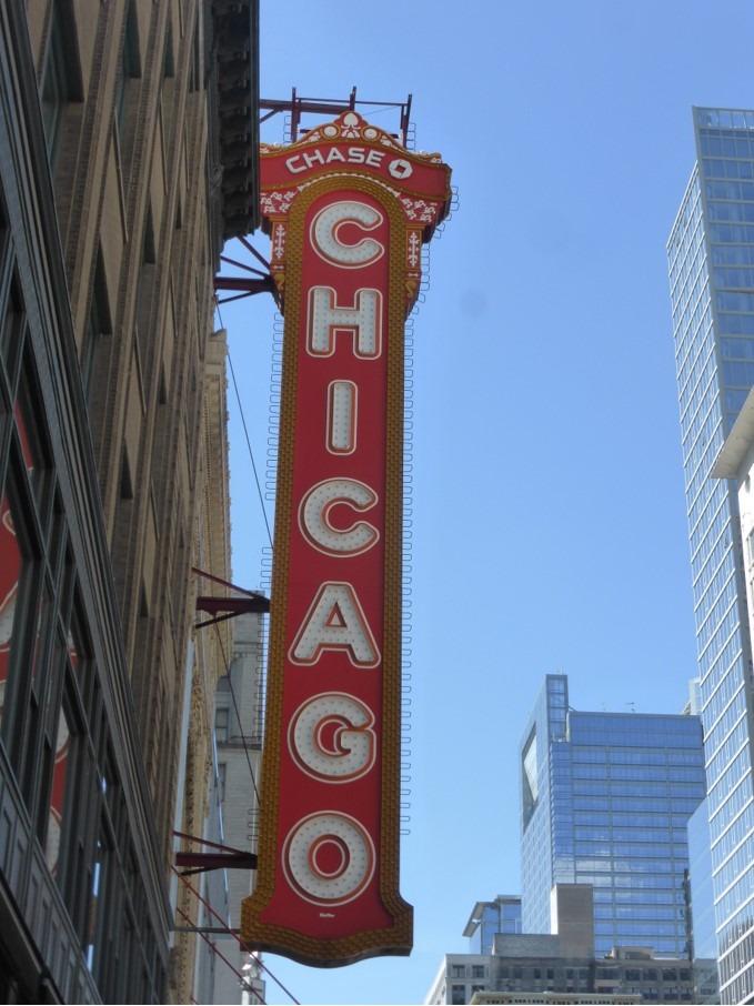 Un panneau lumineux pris dans les rue de Chicago