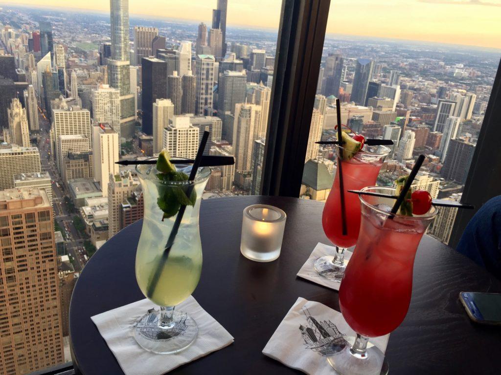 Délicieux cocktails vue sur Chicago
