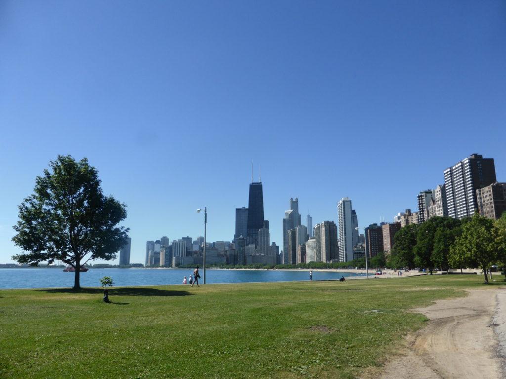 Ciel bleu et verdure à Chicago